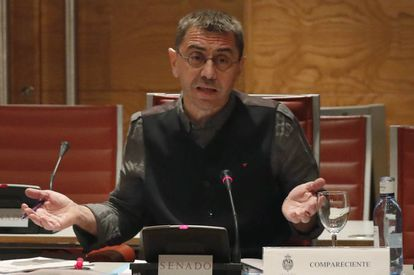 Juan Carlos Monedero appears before the Senate's investigation committee.