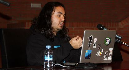 Daniel Echeverri demonstrated a tool for identifying users on the hidden Tor network.