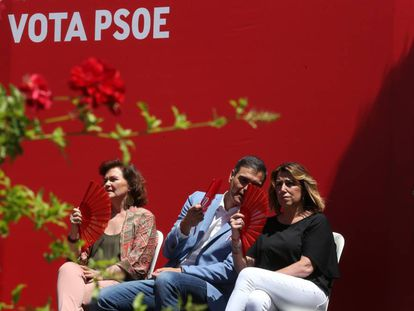 From l-r: Acting Deputy Prime Minister Carmen Calvo, acting Prime Minister Pedro Sánchez and leader of the Andalusian Socialist Party Susana Díaz.