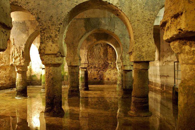 The Hispanic-Arab cistern under Veletas Palace (Cáceres).