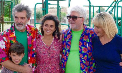 The cast of 'Pain and Glory' with director Pedro Almodóvar.