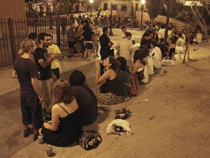 Drinking in public is still widespread among young people in Spain.