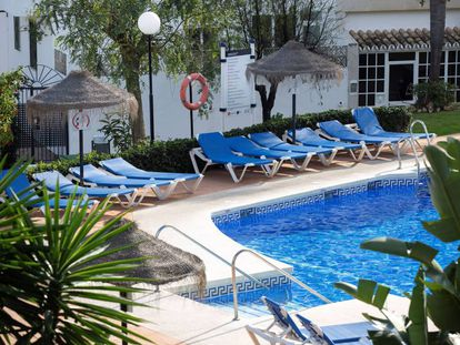 The pool in Mijas where the three family members died.
