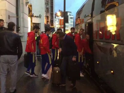 Video: The Spanish soccer team heads home on Tuesday morning.