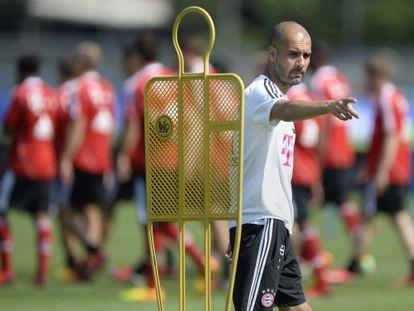 Ex-Barça coach Guardiola directs a training session with his new club Bayern Munich.