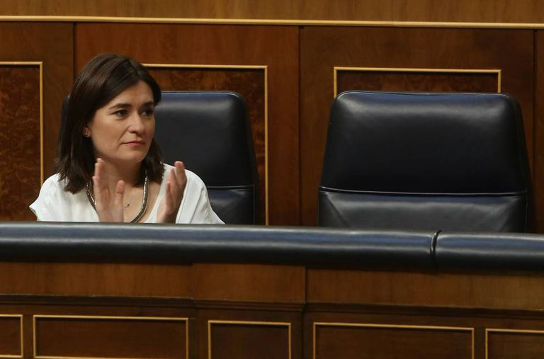 Spanish Health Minister Carmen Montón in Congress.