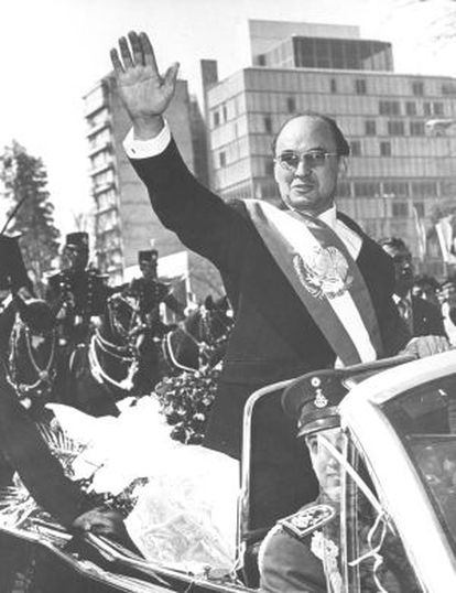 Former Mexican president Luis Echeverría, during a march through the country's capital.