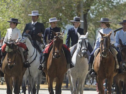 Horses and riders feature prominently at the Feria.
