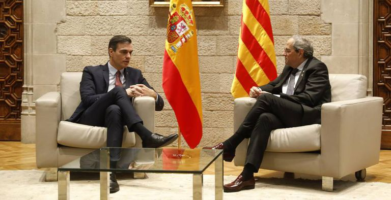 Pedro Sánchez (l) and Quim Torra during their meeting on Thursday in Barcelona.
