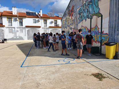 Secondary school students standing within their designated area in Aljaraque, in Huelva province.