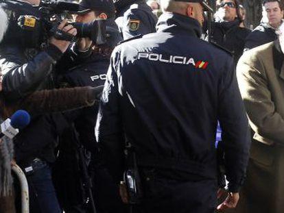 Luis Bárcenas arrives at the Anticorruption Prosecutor's Office in Madrid.