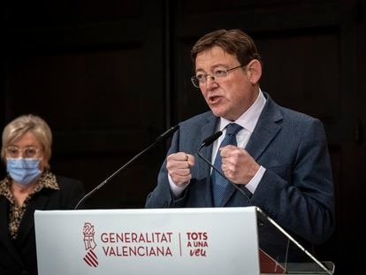 Valencian premier Ximo Puig at a news conference to announce new restrictions on Tuesday.