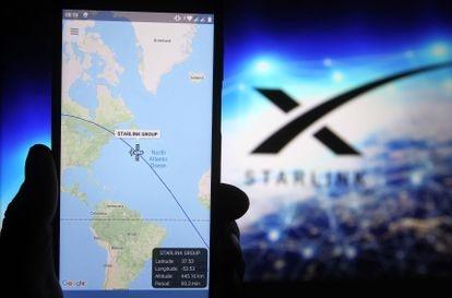 A Starlink satellite tracker service on a smartphone.