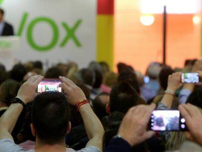 A crowd listens to Vox leaders speaking in Torrejón de Ardoz on Sunday.