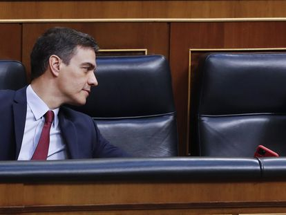 PM Pedro Sánchez and Deputy PM Carmen Calvo during the question and answer session in Congress on Wednesday.