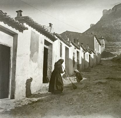 The Alicante neighborhood of Las Provincias in 1910 in a photo from the city's municipal archive.