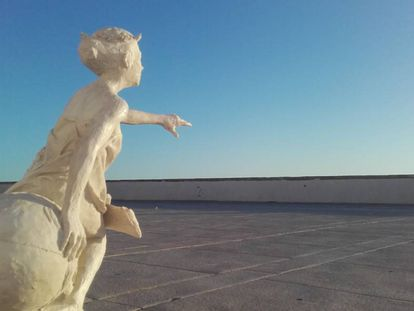 A tribute to the Cádiz meridian, once used extensively by the world's merchant ships.