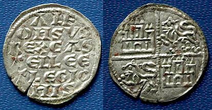 Two coins minted during the reign of Alfonso VIII found in Calatrava la Vieja.