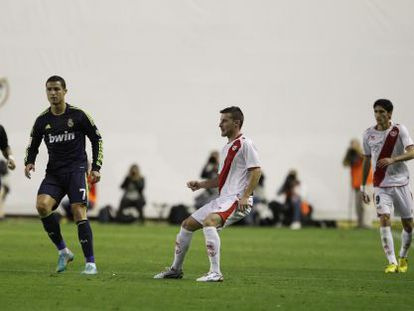 An image from a recent match between Real Madrid and Rayo Vallecano.
