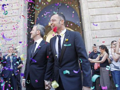 The wedding between Socialist politician Jaume Collboni (l) and TV producer Óscar Cornejo in Barcelona in April 2011.