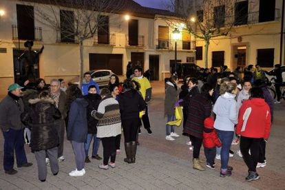 Residents of Ossa de Montiel congregate in the main square after the quake.