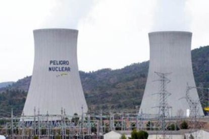 Greenpeace activists climbed the refrigeration towers at the Cofrentes nuclear plant in 2011.