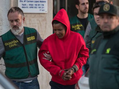 The moment in which Ana Julia was taken into custody by the Civil Guard.