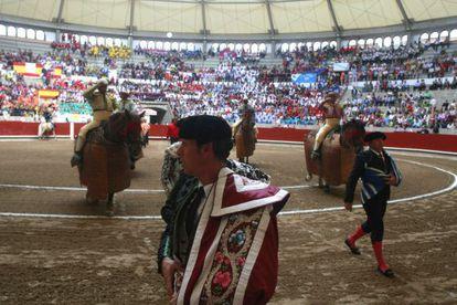 A bullfight in the Galician city of Pontevedra evidences many empty seats.