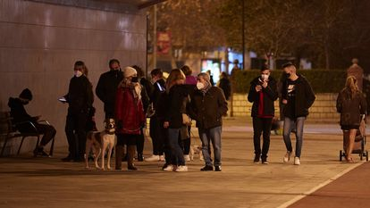 Residents of the city of Granada fled to the street after feeling a series of earthquakes on Tuesday night.