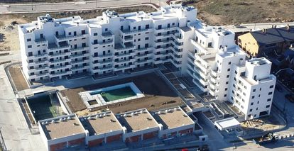 The Arroyo Bodonal residential complex was designed for minimal environmental impact.