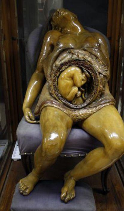 'The Mother', by the sculptor Juan Cháez.