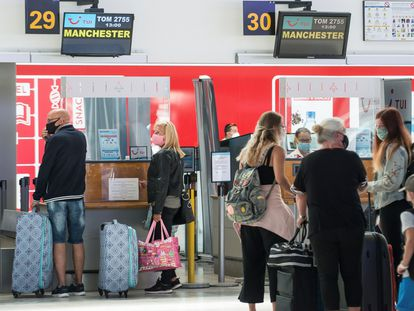 British tourists at César Manrique-Lanzarote airport in this file photo from 2020.