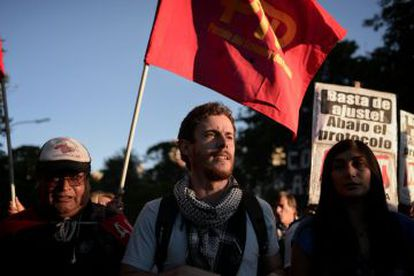 Left-wing activists protest Obama's visit to Argentina during a Wednesday rally in Buenos Aires.