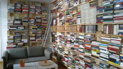"""Free books on offer at Libros Libres. """"You can come whether you have money or not,"""" explains one of the promoters."""