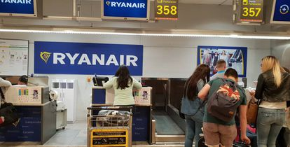 None of the Ryanair cabin crew working in Spain has a Spanish labor contract.