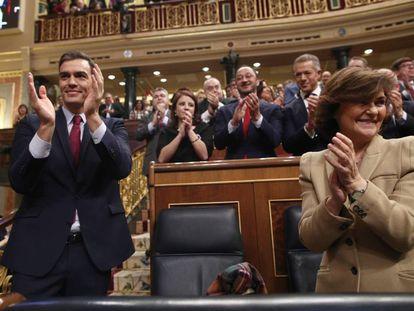 Spanish PM Pedro Sánchez and Deputy PM Carmen Calvo.