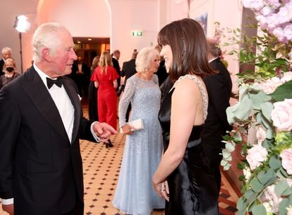 Ana de Armas meets Prince Charles at the premiere of 'No Time to Die.'