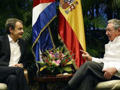 Zapatero with Raúl Castro in Havana.