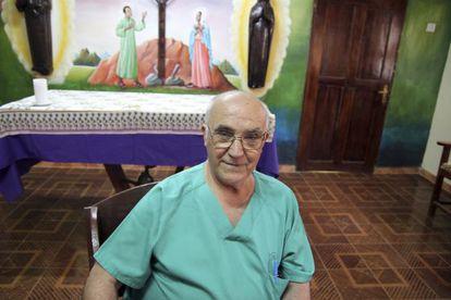 A photo of Manuel García Viejo in Sierra Leone in 2013.