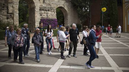 How many more tourists can Spain take?