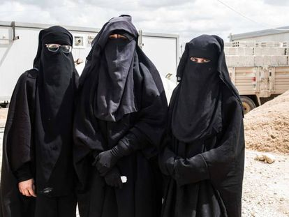 """Spanish ISIS women speak out: """"We just want to get out of here"""""""