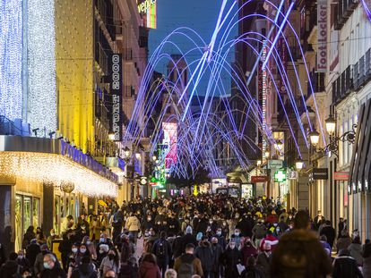 Crowds on Preciados street in downtown Madrid on Sunday.