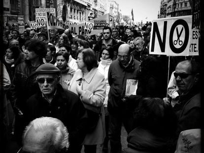 """One of the """"white tide"""" demonstrations in Madrid against cutbacks and the privatization of public healthcare."""