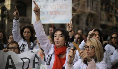 Health workers protest in Barcelona.