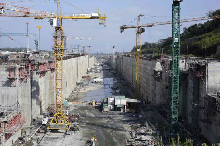 A view of the construction site of the Panama Canal Expansion project on the Atlantic side on the outskirts of Colon City January 15, 2014.