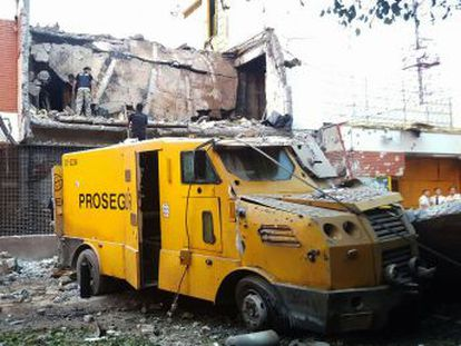 The military-style operation brought chaos to Ciudad del Este as gunfire broke out and explosions went off across the city