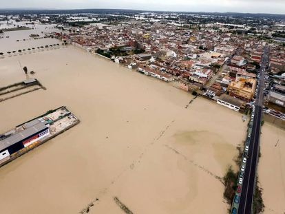 Flooding in Dolores in Alicante province.