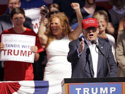 Trump este sábado en un acto en Lynden (Washington)
