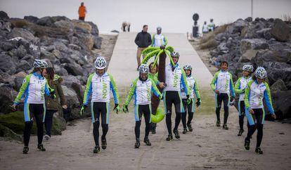 The team reaches Ostend beach on the third day.