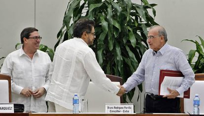 The government and FARC rebels are expected to sign a new peace deal this week.